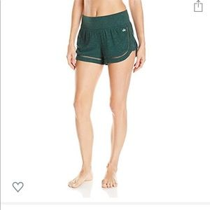 Alo yoga shorts with tags